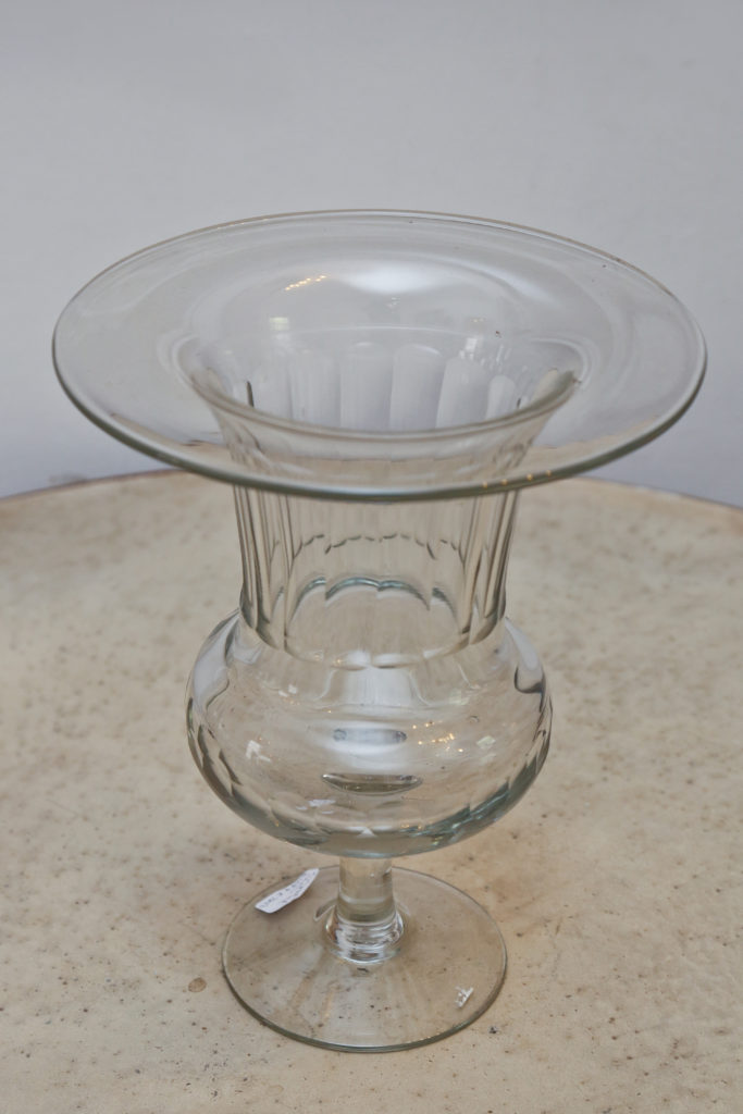Classic Style Glass Urn