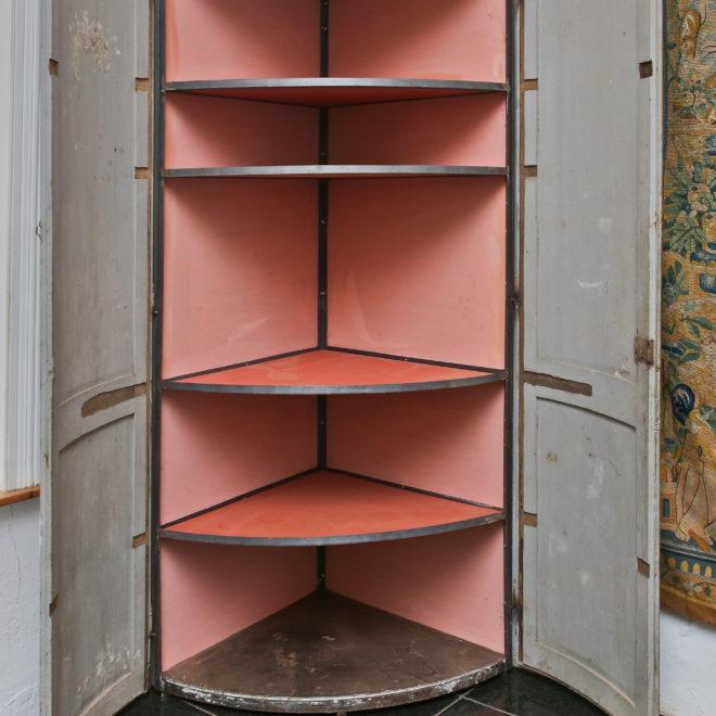 Corner cupboard 2
