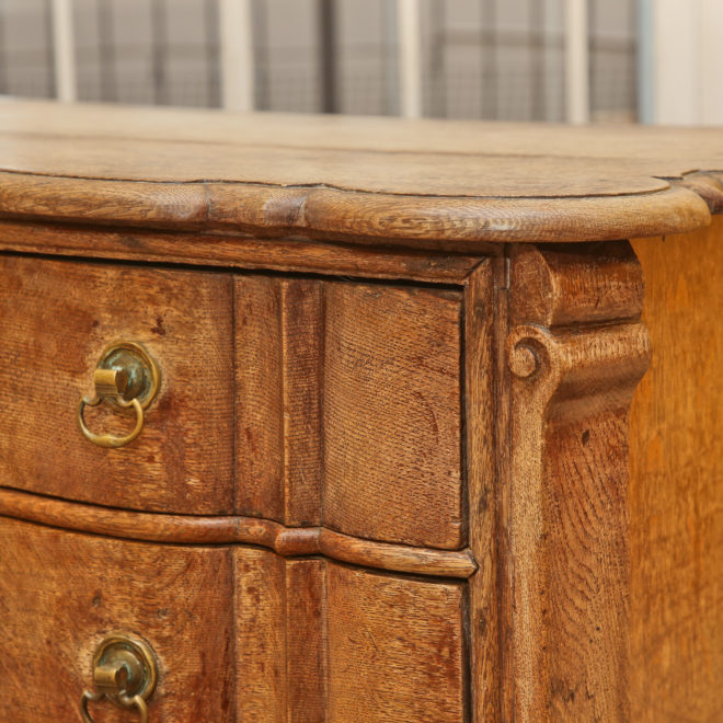 Oak chest of drawers 6