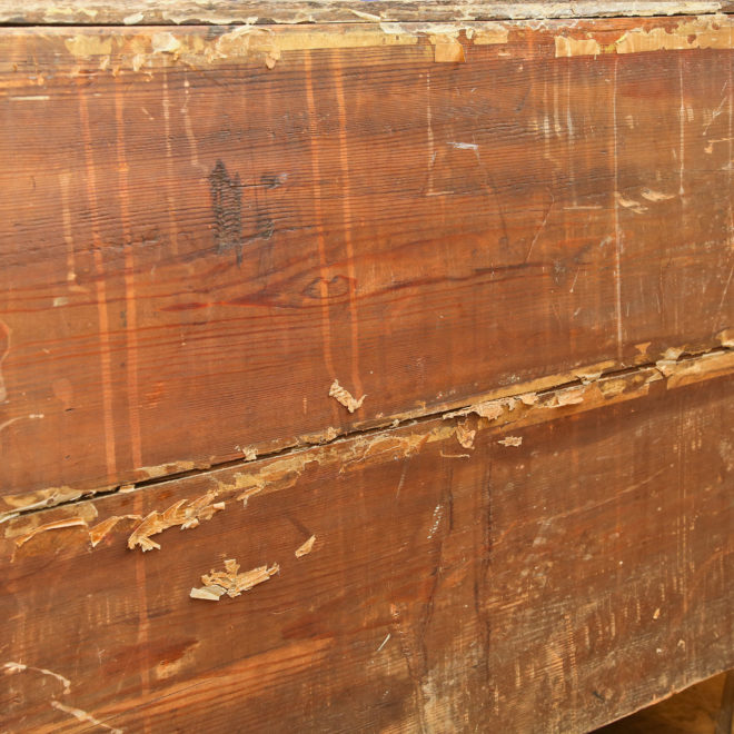 Oak chest of drawers 7